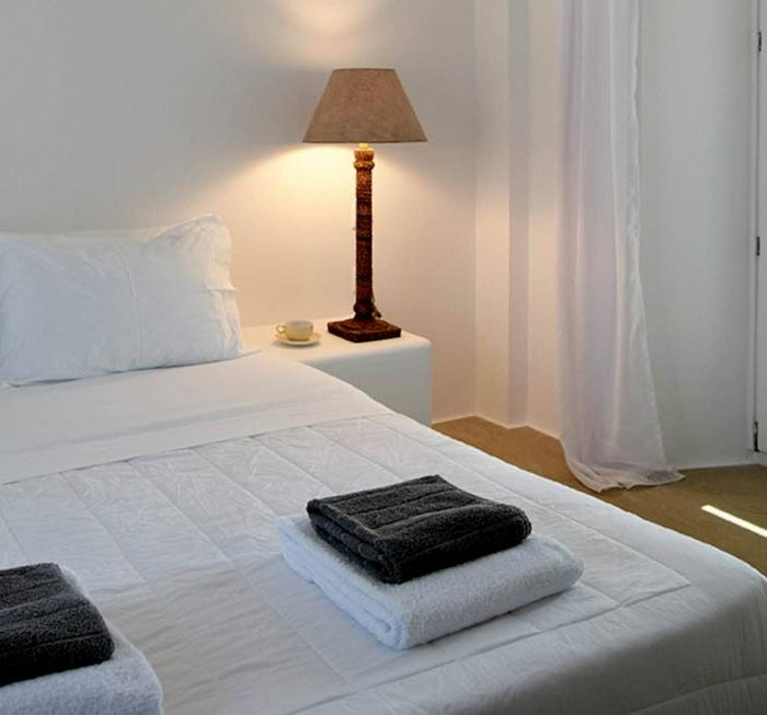 0010_MAIN-HOUSE-BED2
