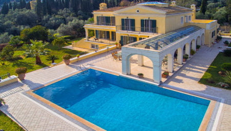 Pool View Luxury Villa Corfu