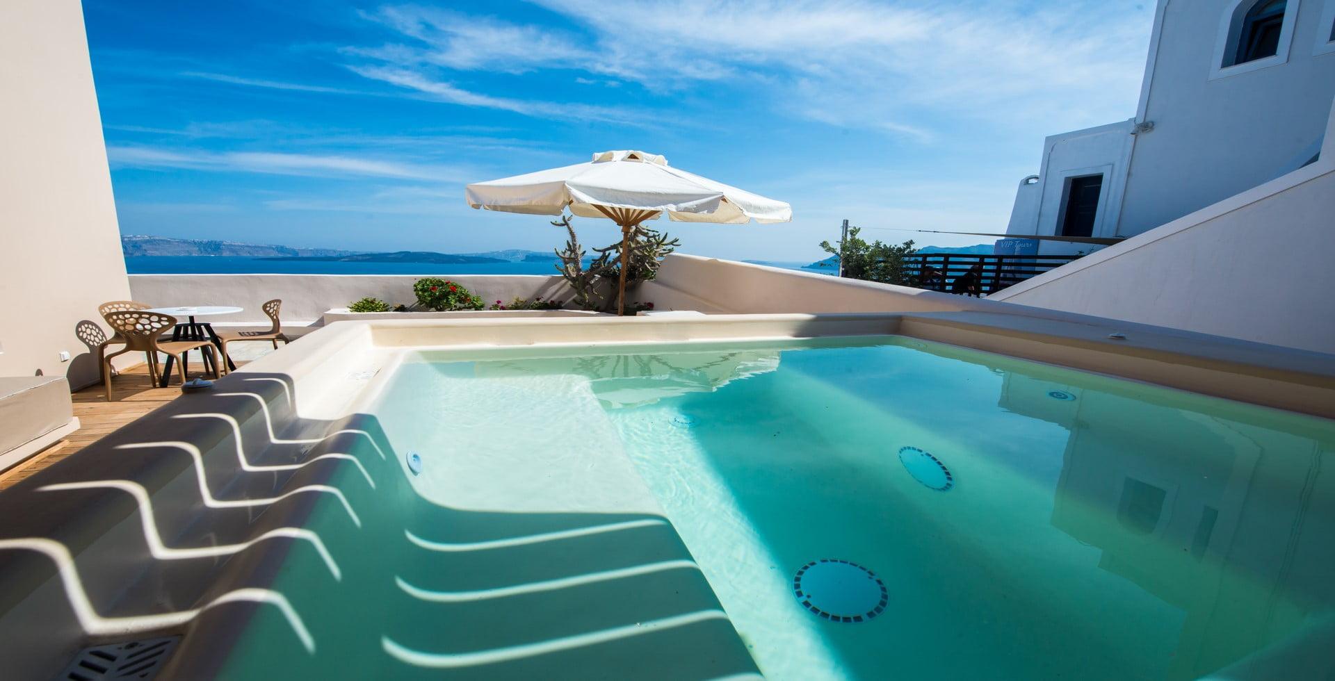 pool view santorini
