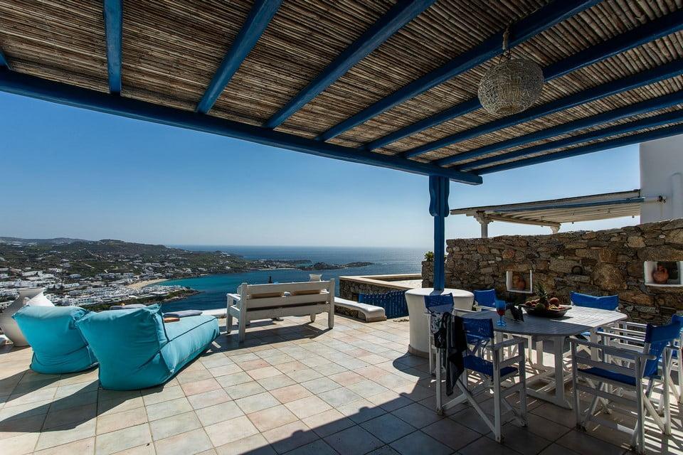 luxury villa kitchen santorini