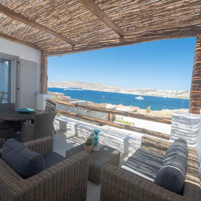 Villa Maroon VII-Exterior 2-Infinity Pool-Traditional-View (Αντιγραφή)