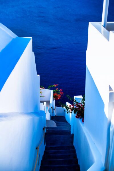 Pathway to the beach. Top things to do in Oia, Santorini.